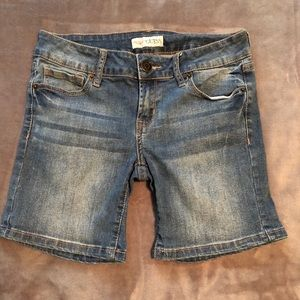 Guess Jean Shorts. Size 26.